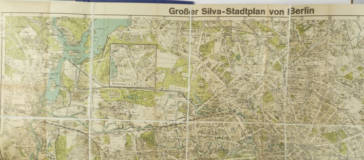 http://shop.berlinbook.com/berlin-brandenburg-berlin-stadt-u-kulturgeschichte/grosser-silva-stadtplan-von-berlin::1442.html