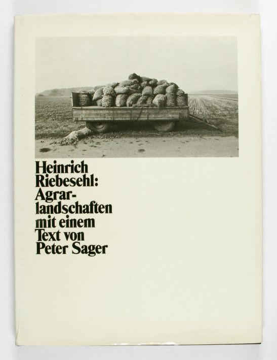 http://shop.berlinbook.com/fotobuecher/riebesehl-heinrich-agrarlandschaften::5141.html