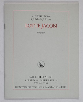 http://shop.berlinbook.com/fotobuecher/jacobi-lotte-torun-polen-1896-1990-deerin-nh-usa-marc-chagall-und-seine-tochter-ida-new-york-1945::10639.html