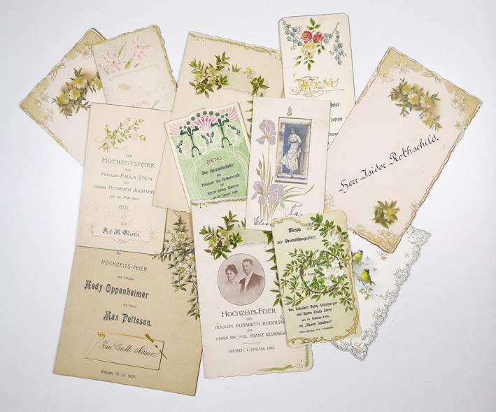 http://shop.berlinbook.com/design/sammlung-von-21-hochzeitskarten-einladungskarten-menuefolgen-platzkarten::10614.html