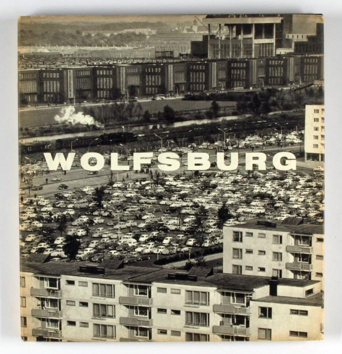http://shop.berlinbook.com/fotobuecher/heidersberger-heinrich-wolfsburg-bilder-einer-jungen-stadt::3227.html