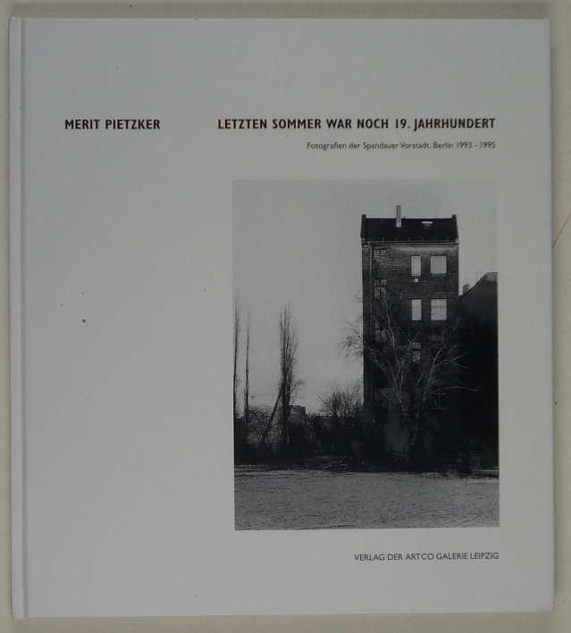 http://shop.berlinbook.com/fotobuecher/pietzker-merit-letzten-sommer-war-noch-19-jahrhundert::1502.html