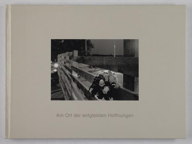 http://shop.berlinbook.com/fotobuecher/erfurt-stephan-am-ort-der-entgleisten-hoffnungen::10321.html