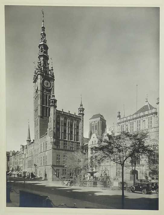 http://shop.berlinbook.com/fotografien-sonstige-motive/hagemann-otto-1884-1974-danzig::1750.html
