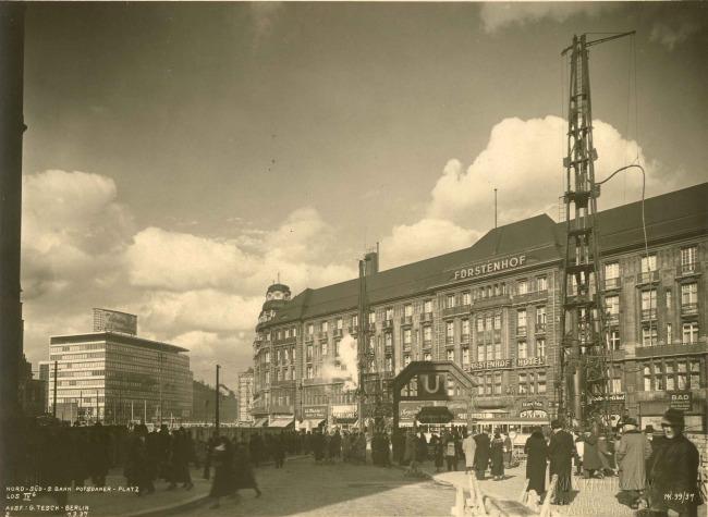 http://shop.berlinbook.com/fotografien-berlinmotive/krajewsky-max-1892-1972-berlin-columbushaus-und-hotel-fuerstenhof-berlin-potsdamer-platz::9954.html