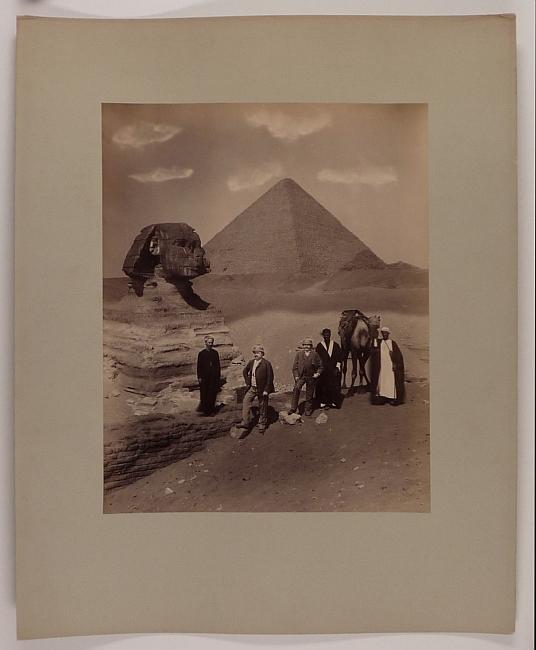 http://shop.berlinbook.com/fotografien-sonstige-motive/anonym-cheops-pyramide-von-gizeh-und-sphinx::10619.html