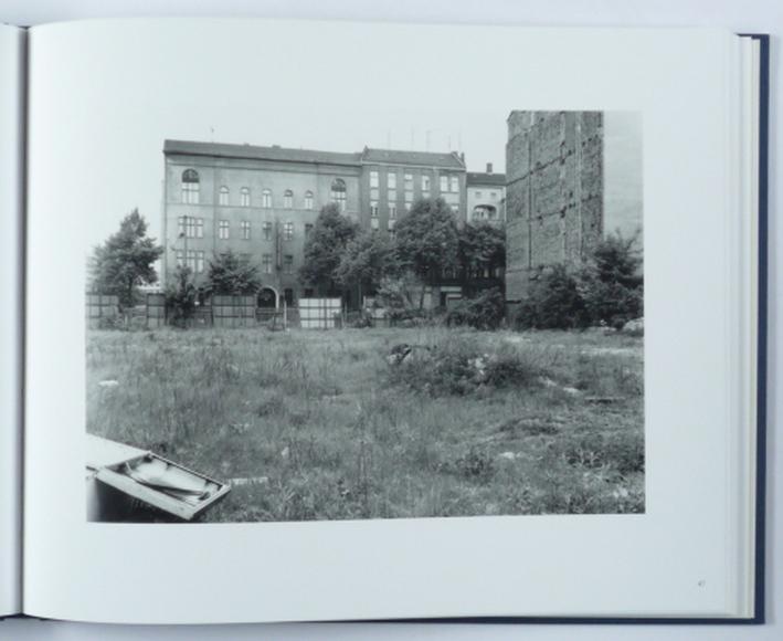 http://shop.berlinbook.com/fotobuecher/schmidt-michael-berlin-nach-1945-einbandtitel-berlin-nach-45::9152.html