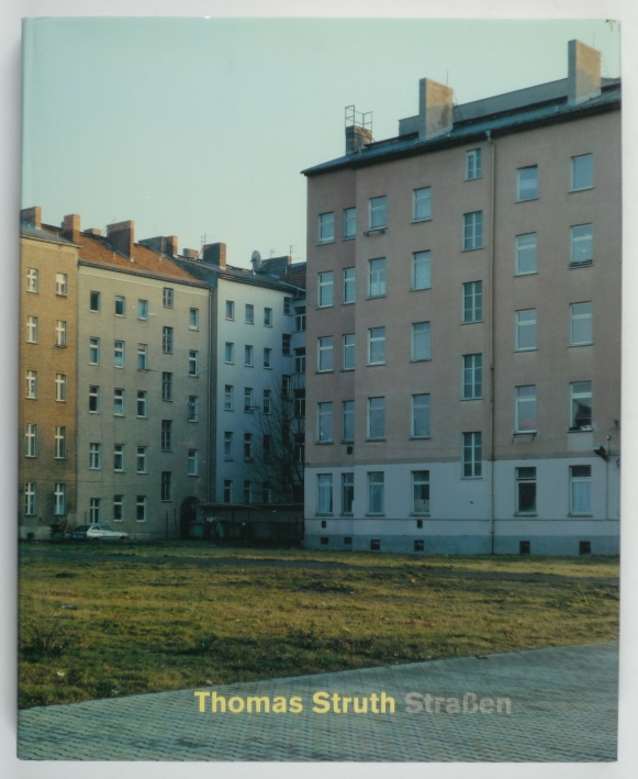 http://shop.berlinbook.com/fotobuecher/struth-thomas-strassen::819.html