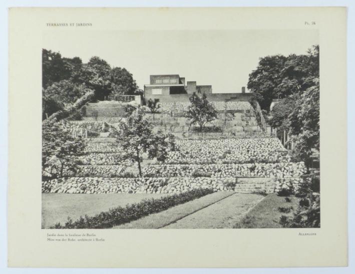 http://shop.berlinbook.com/architektur-architektur-ohne-berlin/lurcat-andré-terrasses-et-jardins::4411.html