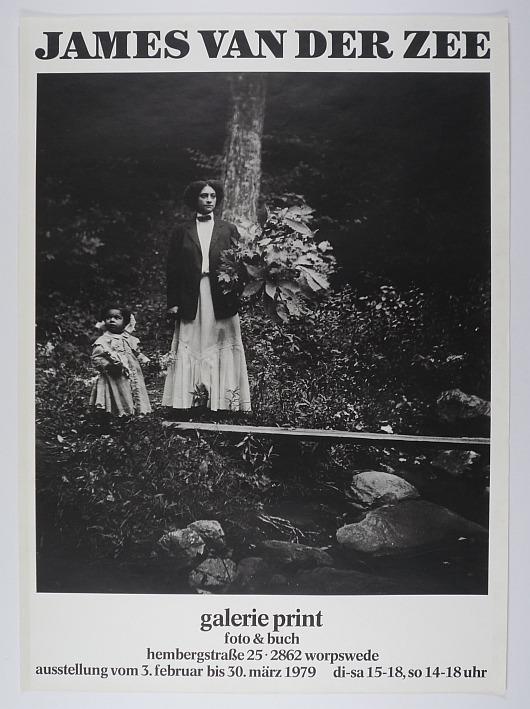 http://shop.berlinbook.com/fotobuecher/van-der-zee-james-plakat-zur-ausstellung-in-der-galerie-print::6503.html