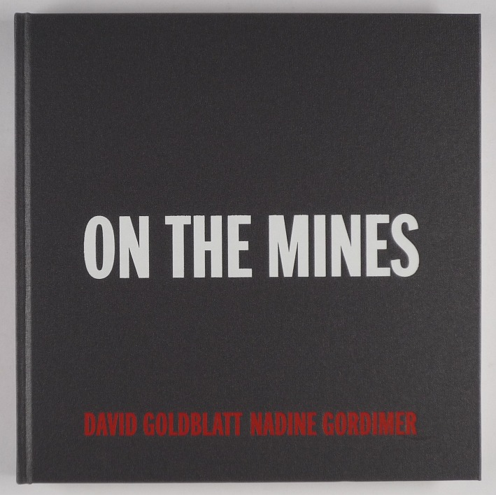 http://shop.berlinbook.com/fotobuecher/goldblatt-david-on-the-mines::9921.html