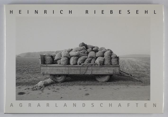 http://shop.berlinbook.com/fotobuecher/riebesehl-heinrich-agrarlandschaften::10862.html
